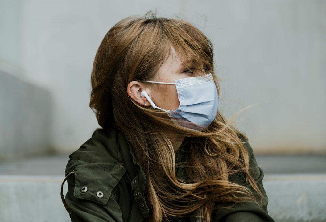 Jak sobie radzić z trudnymi emocjami w czasie pandemii i izolacji?